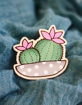 """Koka broša """"Kaktuss"""""""